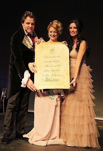 Bei der Ronald McDonald Kinderhilfe Gala 2011 konnten Spendengelder in Höhe von 502.000 Euro gesammelt werden.