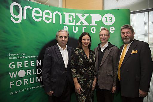 greenEXPO13-Präsentation in der Messe Wien, v.l.n.r.: Georg KINDEL (Projektmanager der greenEXPO) / Christina ZAPPELLA-KINDEL (Geschäftsführerin von PRIMA VISTA, Initiatorin und Veranstalterin der greenEXPO) / Univ.-Lekt. DI Dr. Alfred STRIGL (Nachhaltigkeitsforscher, Wissenschaftlicher Leiter des GREEN WORLD FORUM) / Dir. Johann JUNGREITHMAIR (CEO von Reed Exhibitions Messe Wien)