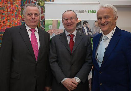 http://www.apa-fotoservice.at/galerie/3793/ Im Bild v.l.n.r.: Rudolf Hundstorfer (BM für Arbeit, Soziales und Konsumentenschutz), Univ.-Prof.Dr.Karl Dantendorfer (Eigentümervertreter pro mente Reha), w.Hofr. Prof. Univ.-Doz. Prim. Dr. Werner Schöny (Geschäftsführer pro mente Reha)