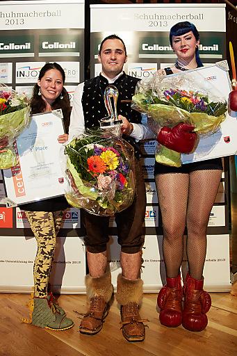 http://www.apa-fotoservice.at/galerie/4000/ im Bild v.l.n.r. Livia Kobayashi (3. Platz Crazy Shoe Award), Heinz Müller (1. Platz Crazy Shoe Award) und Sini Tanninen (2. Platz Crazy Shoe Award)