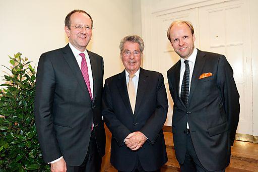 http://www.apa-fotoservice.at/galerie/4151/ Im Bild v.l.n.r.: Matthias Naske, Dr. Heinz Fischer, Bernhard Kerres