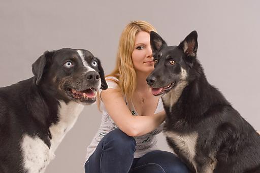 Forschung für Hunde: Therapiehunde sind gut sozialisierte und speziell trainierte Helfer auf vier Pfoten. Dr. Lisa Maria Glenk untersuchte das Wohlbefinden der Hunde im therapeutischen Einsatz.