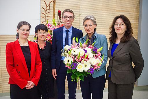 Im Bild v.l.n.r.: Rektorin Greiner, Vizerektorin Soukup-Altrichter Vizerektor Oberneder (alle PH OÖ), BM Schmied, Angela Weilguny (BMUKK)