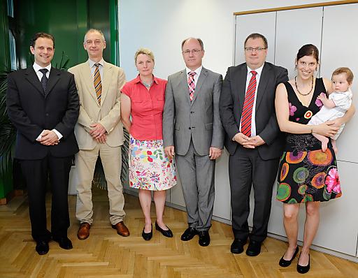 Im Bild v.l.n.r.: Dipl.-Iur.(Univ.), Ass. Iur. Christian Reinert, Mag. Dietmar Gerstner, Mag. Eva Müller, Mag. Kurt Frühwirth, MMag. Alexander Tritthart, Dr. Barbara Wieser