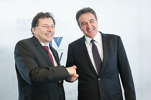 Bild zu OTS - v.l.n.r.: Univ. Prof. Wilfried Eichlseder, Rektor der Montanuniversität Leoben und OMV Generaldirektor Gerhard Roiss