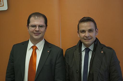 Dominik Lutz, der neu gewählte Obmann des BZÖ-Niederösterreich, und BZÖ-Bundesobmann Gerald Grosz.