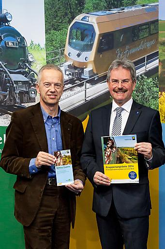 Verkehrslandesrat Karl Wilfing und NÖVOG Geschäftsführer Gerhard Stindl auf der Ferienmesse Wien 2014