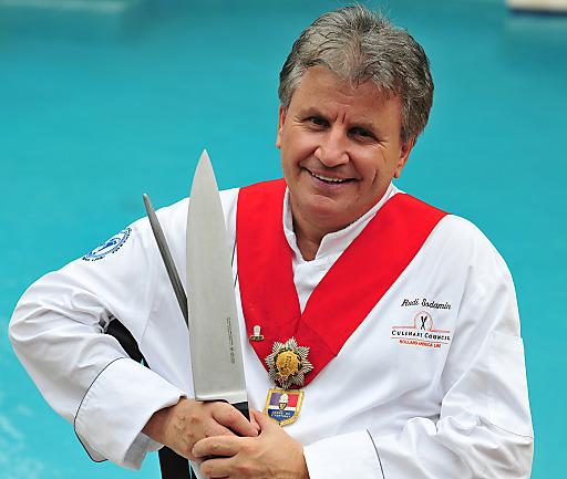 Rudi Sodamin ist seit rund 30 Jahren in den Küchen von Kreuzfahrtschiffen unterwegs