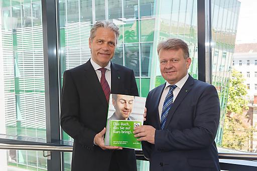 WIFI Wien Kurator Komm.-Rat DDr. Anton G. Ofner (li.) und WIFI Wien Institutsleiter Mag. Fritz Gregshammer (re.)