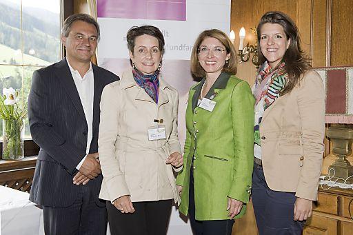 http://www.apa-fotoservice.at/galerie/5775/ Im Bild v.l.n.r.: Georg Obermeier (General Manager von Microsoft Österreich), Dipl.-Ing. Dr. Sabine Herlitschka, MBA (Vorstandsvorsitzende der Infineon Technologies Austria AG), Ao. Univ.-Prof. Dr. Bettina Fuhrmann (Universitätsprofessorin an der Wirtschaftsuniversität Wien), Mag. Elisabeth Wenzl (Geschäftsführerin der Familie & Beruf Management GmbH)