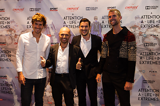 Die 3 Athleten und der Regisseur bei der Premiere
