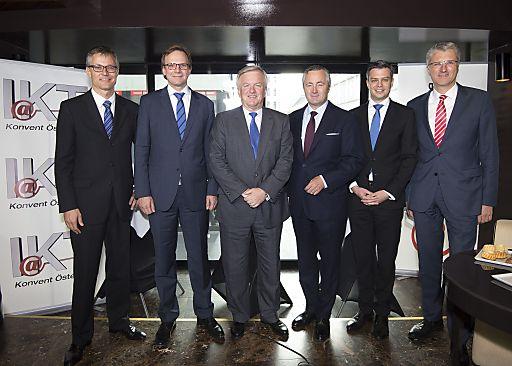 http://www.apa-fotoservice.at/galerie/5917 Im Bild v.l.n.r.: Jan Trionow (CEO Hutchison Drei Austria und IOÖ-Vorstand), Andreas Bierwirth (CEO T-Mobile Austria und IOÖ-Vizepräsident), Rudolf Kemler (IOÖ-Präsident), Hannes Ametsreiter ( CEO A1 Telekom Austria und IOÖ-Vizepräsident), Thomas Arnoldner ( Vorstandsvorsitzender Alcatel-Lucent Austria und IOÖ-Vorstand) und Georg Krause (Mitglied der Geschäftsleitung SAP Österreich und IOÖ-Vizepräsident).
