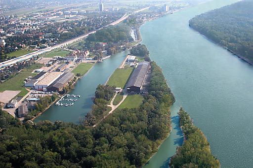 Nur zehn Autominuten von Wien entfernt ist eine in Europa einzigartige Halbinsel für Investoren bereit.