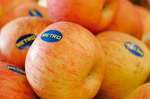 """Am 14. November, dem """"Tag des Apfels"""", schenkt METRO jedem Kunden in Österrreich einen Apfel."""