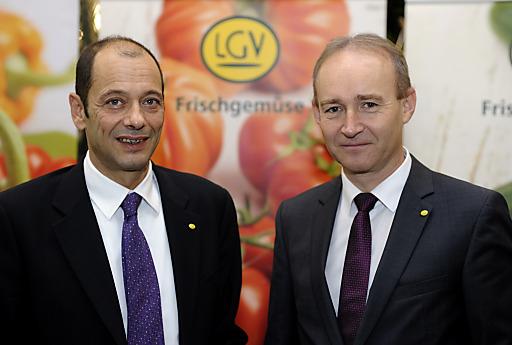 Im Bild v.l.n.r.: LGV-Vorstand Mag. Gerald König, LWK KDIR und Aufsichtsrat Vorsitzender Ing. Robert Fitzthum (re)