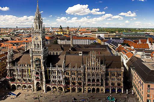 Rathaus München. München Tourismus bietet interessierten Münchnern und Touristen gemeinsam regelmäßig Führungen durch das Neue Rathaus im Herzen der Stadt an.