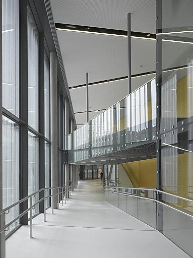 Aluminium wird vielfältig und intelligent eingesetzt und zeigt die mannigfachen Nutzungsmöglichkeiten der Aluminium-Profilsysteme, die die Gemeinschaftsmarke ALU-FENSTER führen.