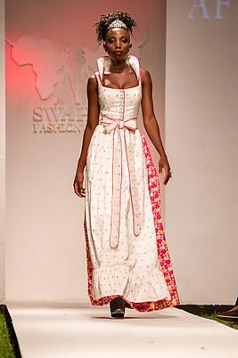 ca9093e967fe3 Swahili Fashion Week 2014  AFRIKAdirndl stellt die neue Kollektion ...