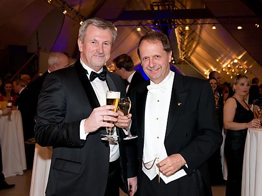 Brau Union Österreich Generaldirektor Markus Liebl und Geschäftsführer Walter Wallner von Schlumberger/Top Spirit
