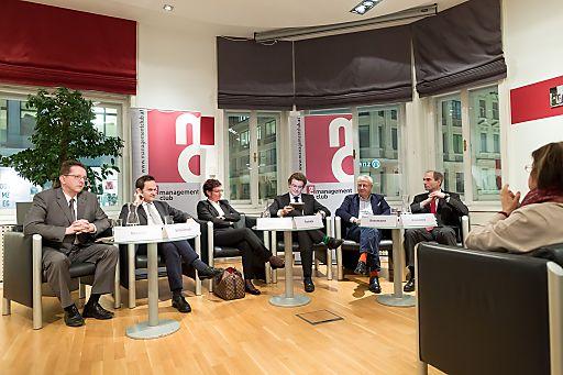http://www.apa-fotoservice.at/galerie/6457 Im Bild v.l.n.r.: Mag. Michael Neischl (Steuerberater), Dr. Franz Schellhorn (Agenda Austria), Abg.z.NR Gabriele Tamandl (Budgetsprecherin, ÖVP), Lukas Sustala (NZZ Österreich), Abg.z.NR Mag. Bruno Rossmann (Budgetsprecher, Die Grünen), Mag. Peter Brandner (Die Weisse Wirtschaft)