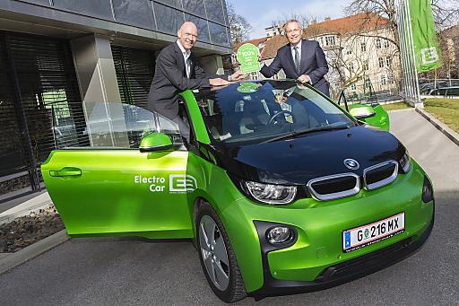Freuen sich über die grüne Energiepartnerschaft: Regierungskomissär Jürgen Winter mit Vorstandssprecher DI Christian Purrer. (v.l.n.r.)