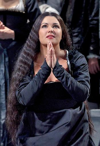 "Stephen Costello as Percy and Anna Netrebko as the title character of Donizetti's ""Anna Bolena.""..Photo: Ken Howard/Metropolitan Opera..Taken at the Metropolitan Opera during the rehearsal on September 15, 2011."
