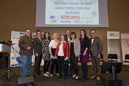 http://www.apa-fotoservice.at/galerie/6620/ Im Bild v.l.n.r. : Christian Rupp (digitales Forum Bundeskanzleramt), Franz Unterluggauer (Standort Tirol), Christiane Noll (Microsoft Österreich) Regina Hönigsberger-Rupp, Univ.Prof.inDr.in Ruth Breu (Uni Innsbruck), Prof.Mag. Helmut Hammerl ( Landesschulrat Tirol), Landesrätin Beate Palfrader, Barbara Thaler ( Vicepräsidentin WK Tirol), Helmut Leopold ( Head of Department Safty and Security)