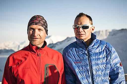Der Mammut Pro Team Athlet Beni Hug besteigt zusammen mit dem französischen Skibergsteiger Tony Sbalbi auf Tourenskis alle sieben Viertausender des Aletschgebietes in nur 20 Stunden. Beni und Tony schaffen mit den insgesamt 7000 Höhenmetern und der Strecke von rund 65km eine persönliche Höchstleistung.