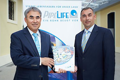 li. Mag. Karl Aigner neuer Regional Manager Central Europe/Balkans der Pipelife Gruppe - re. Mag. Franz Grabner neuer Geschäftsführer von Pipelife Austria