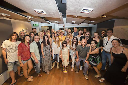 MusikerInnen und Produktionsteam Charityprojekt MOMO-Freude