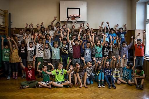 Schülerinnen und Schüler der Volksschule Kindermanngasse nach ihren ersten Erfahrungen mit Coding.