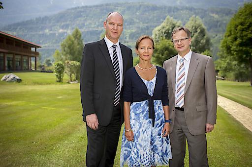 v.l.n.r.: DI Dirk Strack, Mitglied der Geschäftsführung, Geschäftsführerin TAL-Gruppe Mag. Ulrike Andres, DI Andreas Landsteiner, Prokurist TAL Österreich