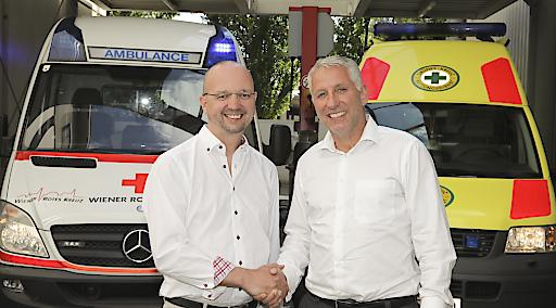 Alexander Lang (li.), Landesgeschäftsleiter Wiener Rotes Kreuz und Kurt Plattner, Geschäftsleiter Grünes Kreuz - gemeinsam für Wien.