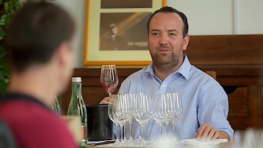 Gerhard Kracher präsentiert die KRacher Kollektion persönlich.