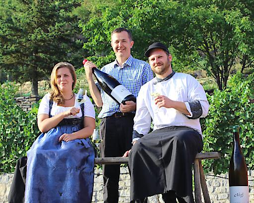 Martin Nigl, Top-Winzer im Kremstal und Hausherr im Weinhaus Nigl mit Anna Wallisch als Restaurantleiterin und Thomas Lück als Küchenchef für sein Restaurant und Hotel.