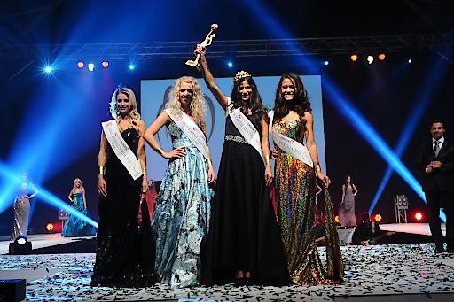 v.l.n.r: Miss Earth Austria Fire - Nadja Marchsteiner, Miss Earth Austria Water - Leslie Hanzl, Miss Earth Austria - Sophie Totzauer, Miss Earth Austria Air - Virginia Rohrhan
