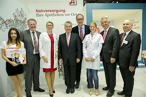 Bundespräsident Heinz Fischer auf der Kommunalmesse am Stand der Apothekerkammer