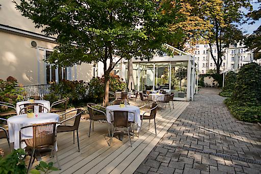 Confraternität-Privatklinik Josefstadt: Neues Terrassencafé