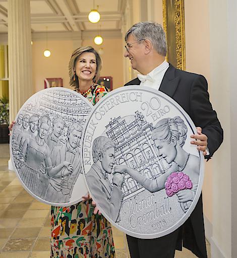 Bild Eine Silbermünze Zum 60 Wiener Opernball Münze österreich