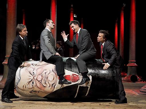 CHODORKWSKI Oper von Kristine Tornquist (Libretto, Regie) und Periklis Liakakis (Musik)