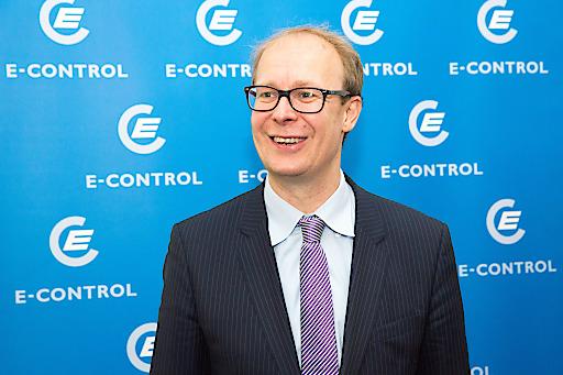 Dr. Justus Haucap, Direktor des Düsseldorfer Instituts für Wettbewerbsökonomie (DICE), bei seinem Vortrag.