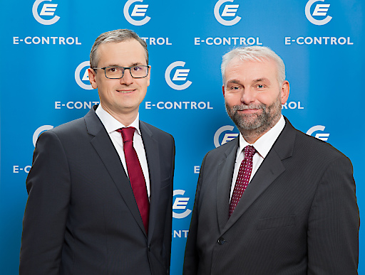 Wolfgang Urbantschitsch und Andreas Eigenbauer (v.l.) haben als neue Vorstände die Leitung der E-Control übernommen.