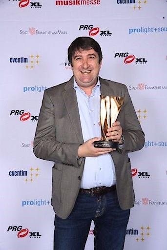 LEA AWARD 2016 Walter Egle, GF der LS Konzertagentur, mit dem Preis