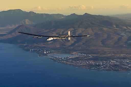 """Bei Testflügen über Hawaii bereitete sich """"Solar Impulse 2"""" auf die nächste Etappe vor."""