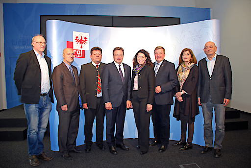 Einigung bei ÄrztInnen- und PflegerInnengehälter in Tirol