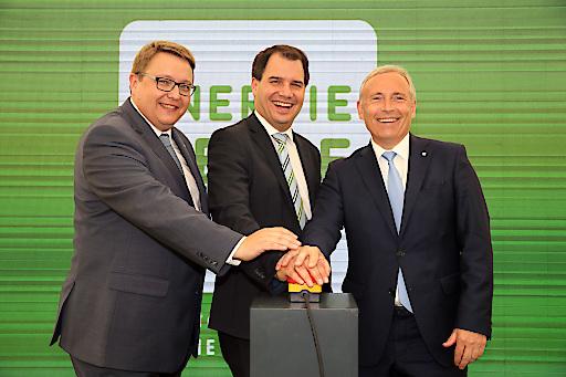 Am Bild: Martin Graz (Vorstandsdirektor Energie Steiermark), Michael Schickhofer (LH-Stv.), Christian Purrer (Vorstandssprecher Energie Steiermark) (v.l.n.r.)
