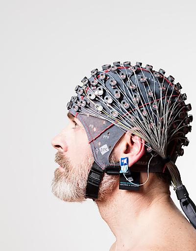 g.tec entwickelt und produziert Brain-Computer Interfaces, wodurch es beeinträchtigten Menschen gelingt, mit Kraft ihrer Gedanken zu kommunizieren oder Dinge zu steuern.