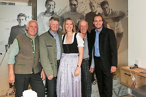 v.l: Ernst Hinterseer, Hias Leitner, Nina Hipfl-Reisch (PR, Marketing Sporthotel Reisch), Fritz Huber, Mike Mayr-Reisch (Inhaber Sporthotel Reisch)