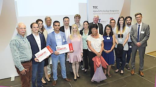Teilnehmer, Gewinner und Moderatoren der Falling Walls Lab Austria Session in Alpbach im Rahmen der Alpbacher Technologiegespräche. Behzad Shirmadi Shaghasemi und Alexander Glätzle konnten sich je ein Ticket nach Berlin sichern.