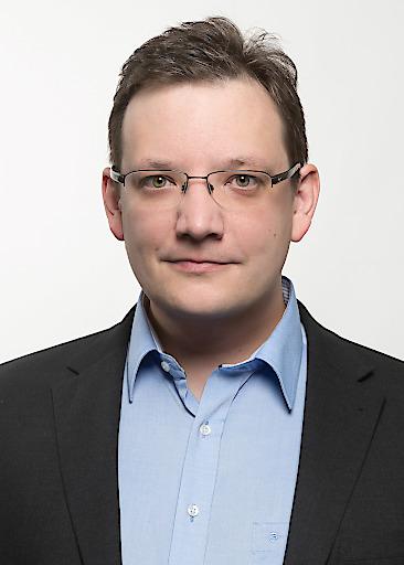 Vom Praktikant zur Führungskraft: conova-Bereichsleiter DI (FH) Stefan Kaltenbrunner steht stellvertretend für viele Studierende und AbsolventInnen der FH Salzburg.